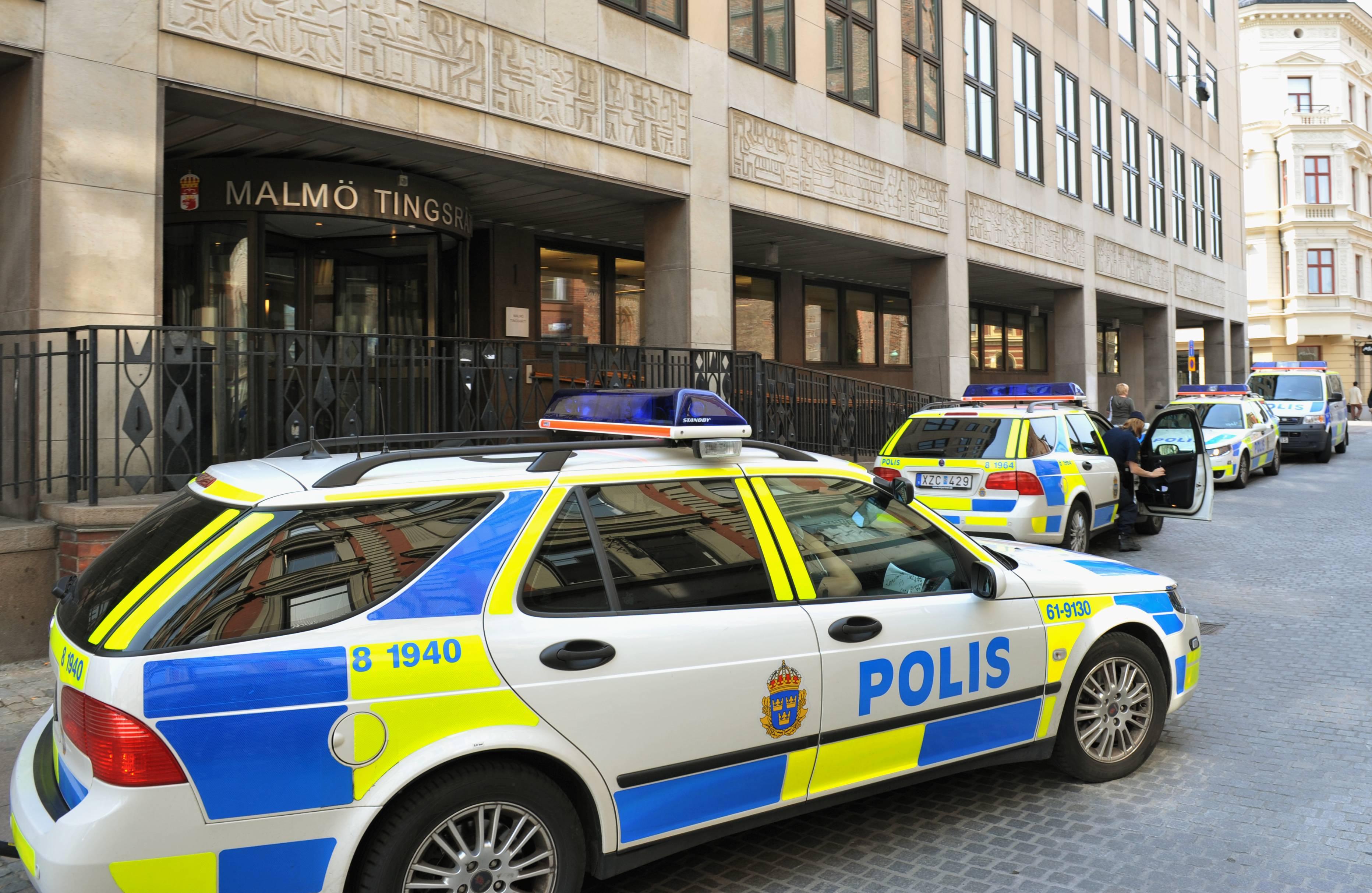 Mff supportrar angreps av polisen